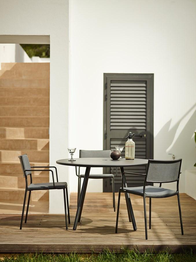cane line area. Black Bedroom Furniture Sets. Home Design Ideas