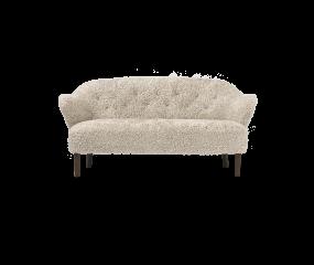 By Lassen Ingeborg 2½ prs. sofa, fåreskind sahara
