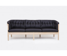 Nielaus N-form sofa